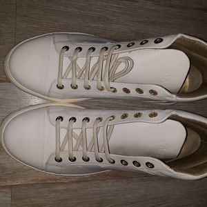 New Taft White Sneakers Size 8 New